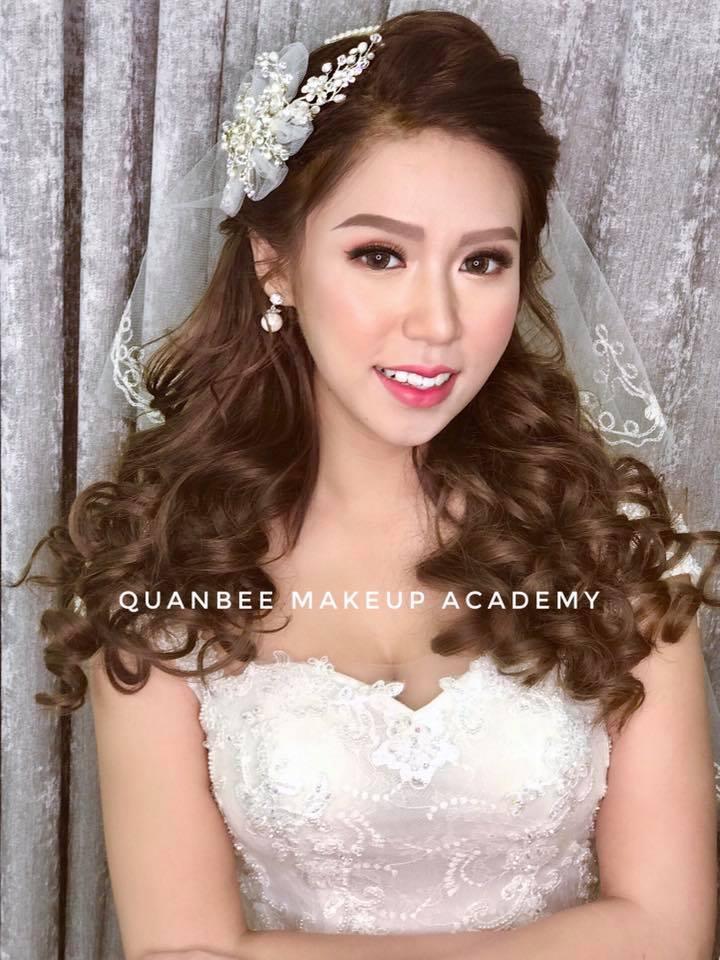 Trang điểm cô dâu phong cách hàn quốc mới kiểu tóc xoăn