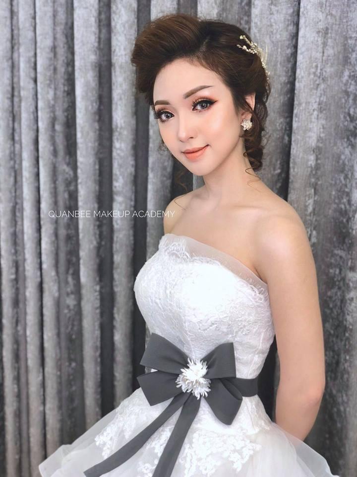 Học trang điểm make up cô dâu giá cả hợp lý