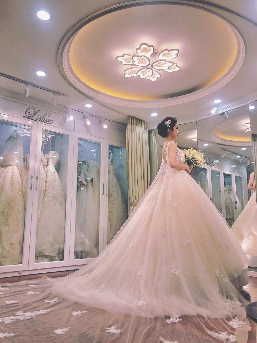 Thuê váy cưới ở đâu đẹp Hà Nội