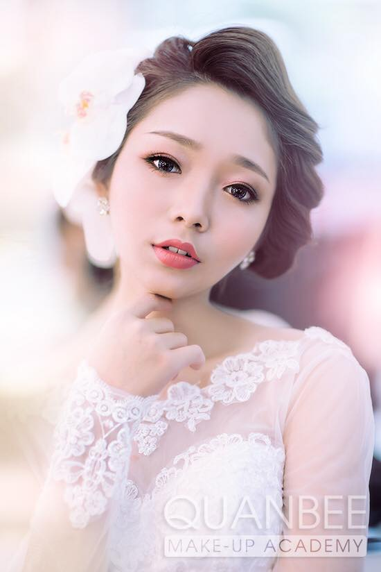 Trang điểm cô dâu phong cách tự nhiên với các tâm điểm